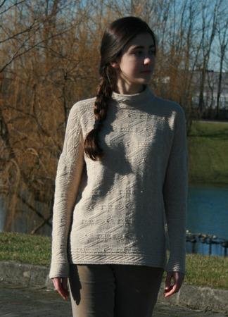"""Фото. Пуловер по рисункам модели Элис Стармор """"Elizabeth of York"""".  Автор работы - Brucaliffo17"""