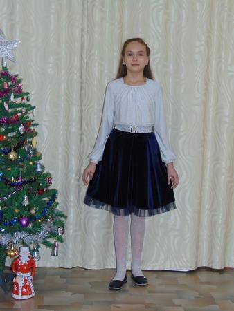 Фото. Комплект дочке для новогодней ёлки в школе.  Автор работы - Салампи