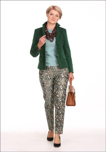 Комплект №2 . Жакет, джемпер, брюки, туфли и ожерелье – MaxMara Weekend. Сумка – Pietro Filipi