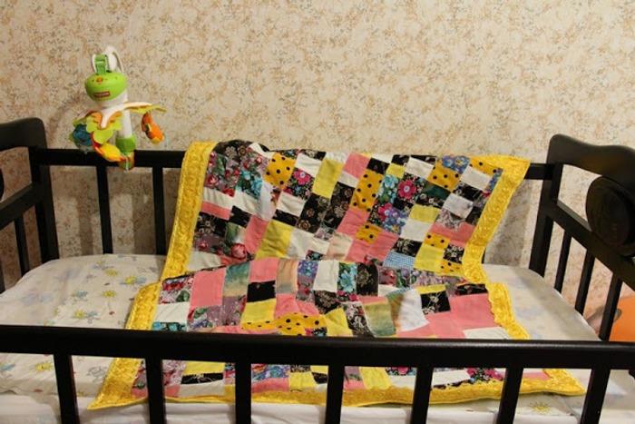 Фото. В подарок для внука - лоскутное одеяльце. Автор работы - Patashka