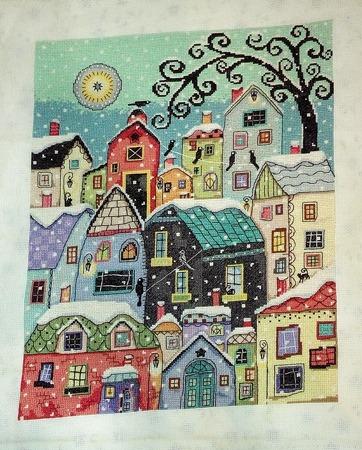 """Фото. Вышитая картина """"Тихо падает снег на крыши"""". Автор работы - Natusynok"""