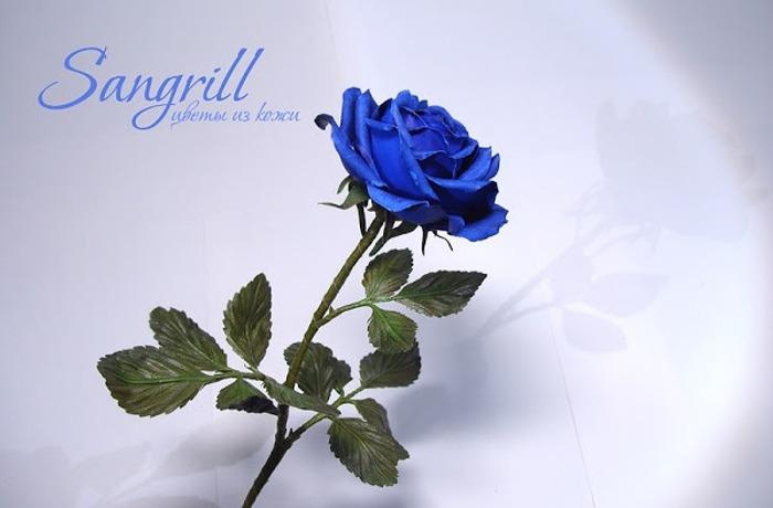 Фото. Роза из кожи. Жаль, кожа не обладает прозрачностью, и тонкость. ткани, но и в ней есть своя прелесть! Автор работы - Sangrill