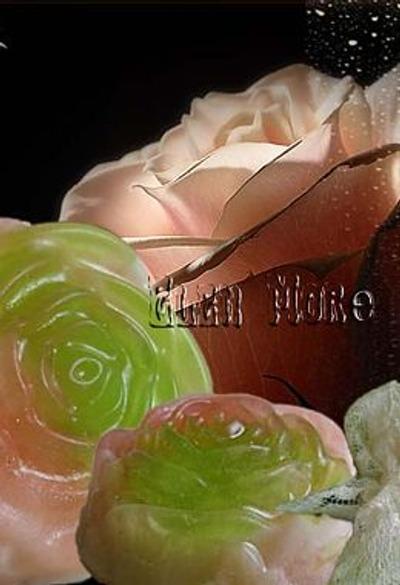 Фото. Авторское мыло ручной работы становится все более популярным - и это неудивительно, ведь оно не только содержит в своем составе ценные ароматические масла и экстракты полезных растений, но еще и очень красиво!  Автор работы - Elen More