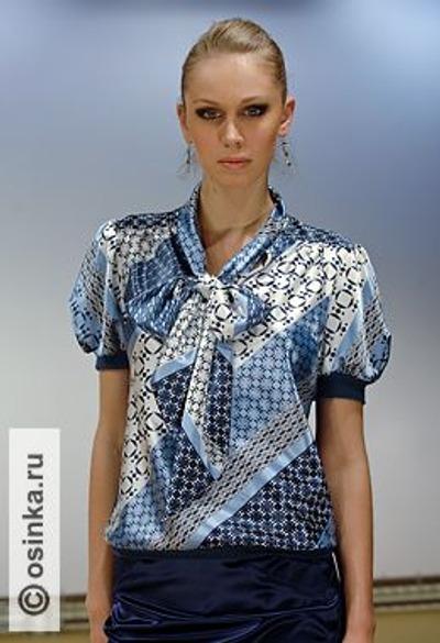 """Фото. Любой вещи можно дать свое название. Например, блузка """"Небеса Венеции"""". Людям это нравится. Ведь имя подчеркивает уникальность авторской модели! Фотограф: Андрей Малышев, Москва."""