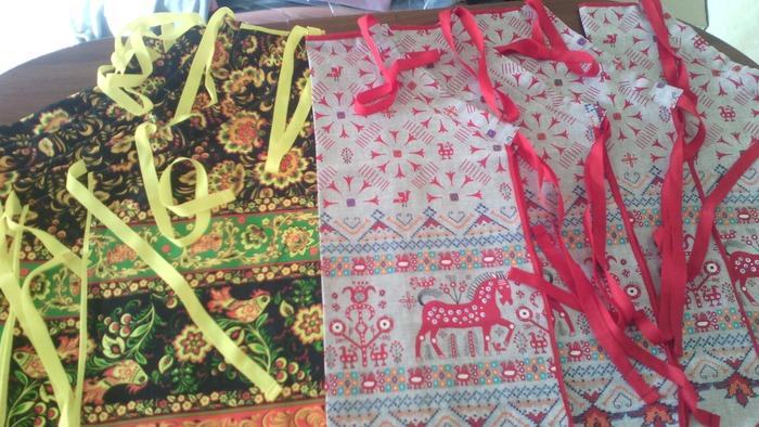 Фото. Подарки к празднику- фартучки и полотенечки.  Автор работы - Aleninka