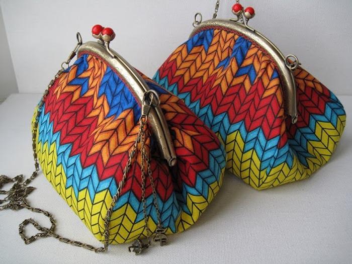 """Фото. Я самоучка, с шитьём скорей на """"Вы"""", больше вяжу. Но очень люблю сумочки,поэтому делаю их часто для себя и не только."""