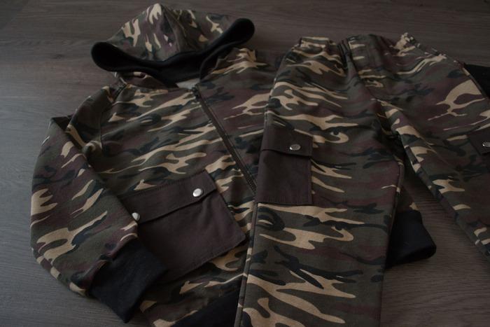 Фото. Трикотажные брюки и толстовка с капюшоном.  Автор работы - Anelinas2rm