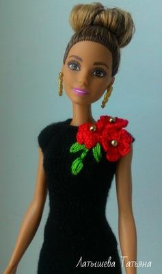 Фото. И такие платьица с цветочным декором знакомы и памятны очень многим.  Автор работы - bonita_knit