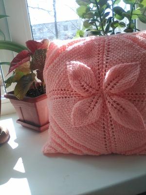 Фото. Очень нежная, мягкая и теплая подушечка получилась в подарок маме...  Автор работы - jmalakov2