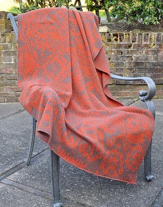 Фото. Плед «Красный Цветок», машинное вязание . Автор работы - elenah