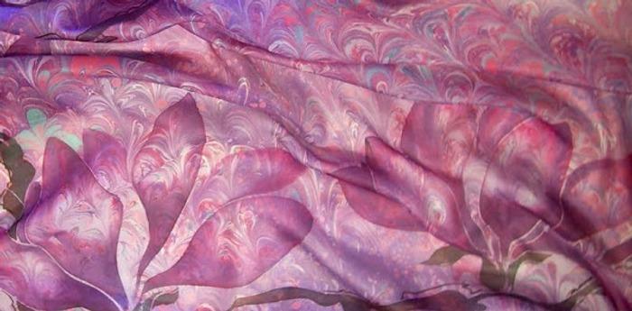 """Фото. Платок """"Сиреневый"""", 90х90, туаль, сочетание эбру и холодного батика.  Автор работы - сесса"""