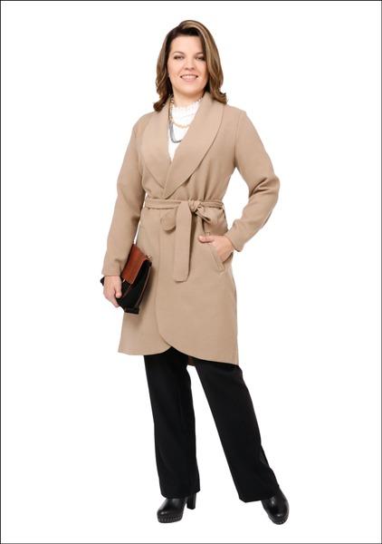 Комплект №4 . Пальто – Apranga. Блуза и сумка – Zara. Брюки – Lindex. Ботильоны – Danija. Ожерелье – Doze Fashion