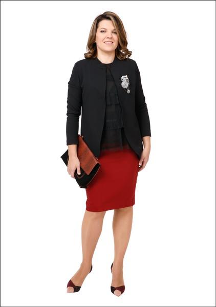 Комплект №5 . Жакет и блуза – Apranga. Юбка, туфли и сумка – Zara. Брошь – Doze Fashion