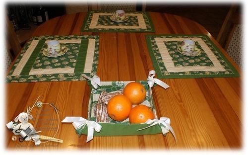 Фото. Для дома - для семьи: ланчматы и  сухарница из лоскутков.