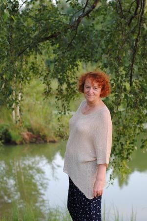 Фото. Рекомендована пряжа, которая косит, поэтому у меня состав пряжи: лен с паетками + меринос с шёлком.