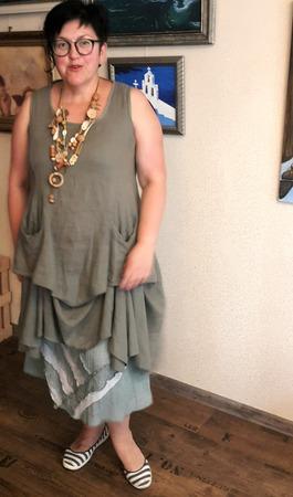 Фото. К юбке, сшитой на жаркую погоду, удачно подошло купленное когда-то платье. Автор работы - Наталья-я