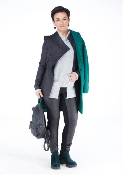Комплект №1 . Куртка, джемпер, брюки и ботильоны – Julija Janus. Полупальто – Massimo Dutti. Сумка – Bags & More