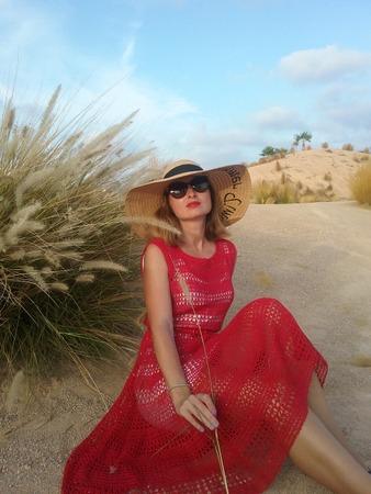 """Фото. Платье из темы """"Девушка едет в Барселону...""""Нитки коттон 95% с пайетками.   Автор работы - D'Olga"""