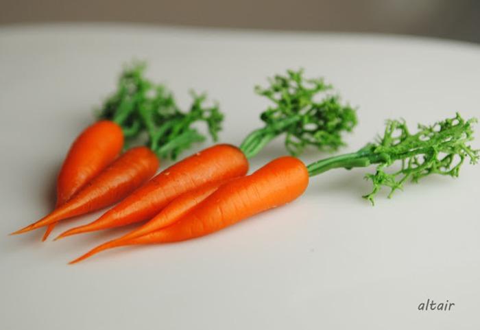 Фото. Морковки из полимерной глины.  Автор работы - Miranda