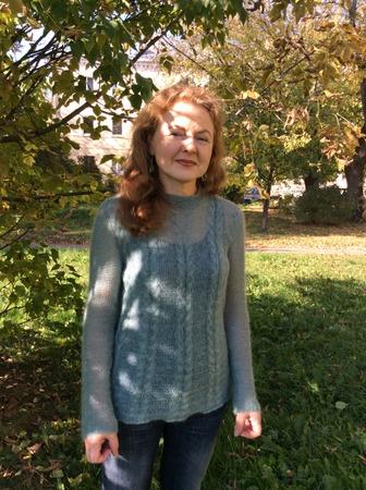 Фото. Пуловер из кидмохера.   Автор работы - Эмели