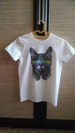 Фото. Для любительницы кошек - футболка. Автор работы - Lenkeen