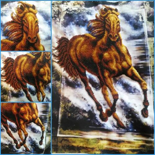 """Фото. Первая работа бисером. """"Конь Победный"""" .  Автор работы - Александра Жигулёва"""
