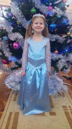 Фото. В Новогоднее платье на елку для дочки!  Автор работы - Vera76