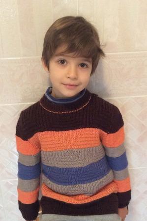Фото. Домашний свитерок внуку.  Автор работы - Ландора 2