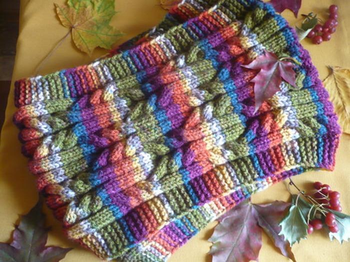 Фото. Осень - время вязать шарфики. Автор работы - lusi372005
