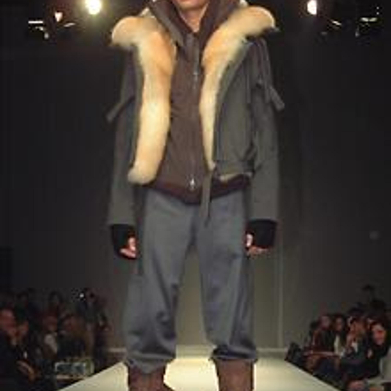 Модель из коллекции сезона осень-зима 2003/2004