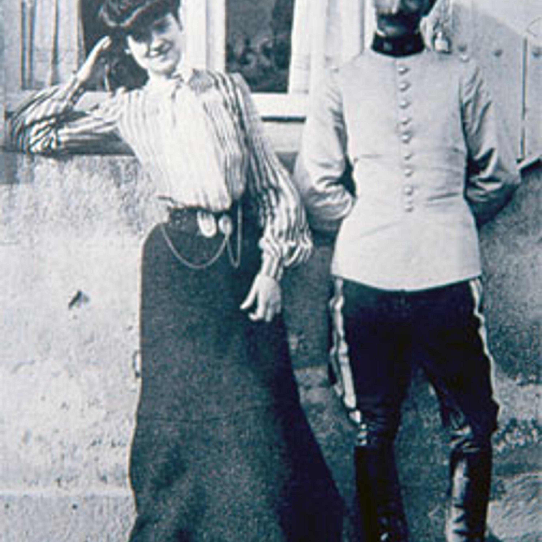 5cb29d23d4a Мода этого времени совершенно не подходила Шанель. Кутюр 1900-х годов – это  платья