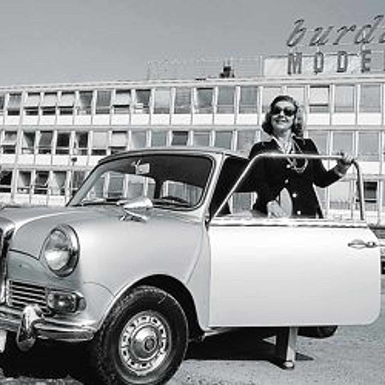 1973 год. Энне Бурда была эмансипированной и самостоятельной женщиной. Сама водила машину, сама управляла делами.