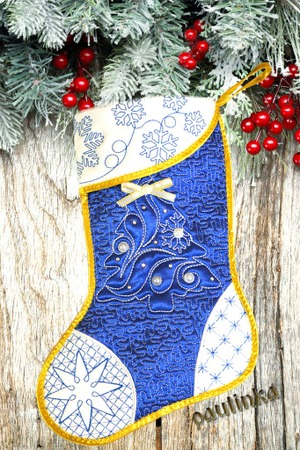 Фото. Новогодний сапожок в технике трапунто.  Автор работы - pautinka1