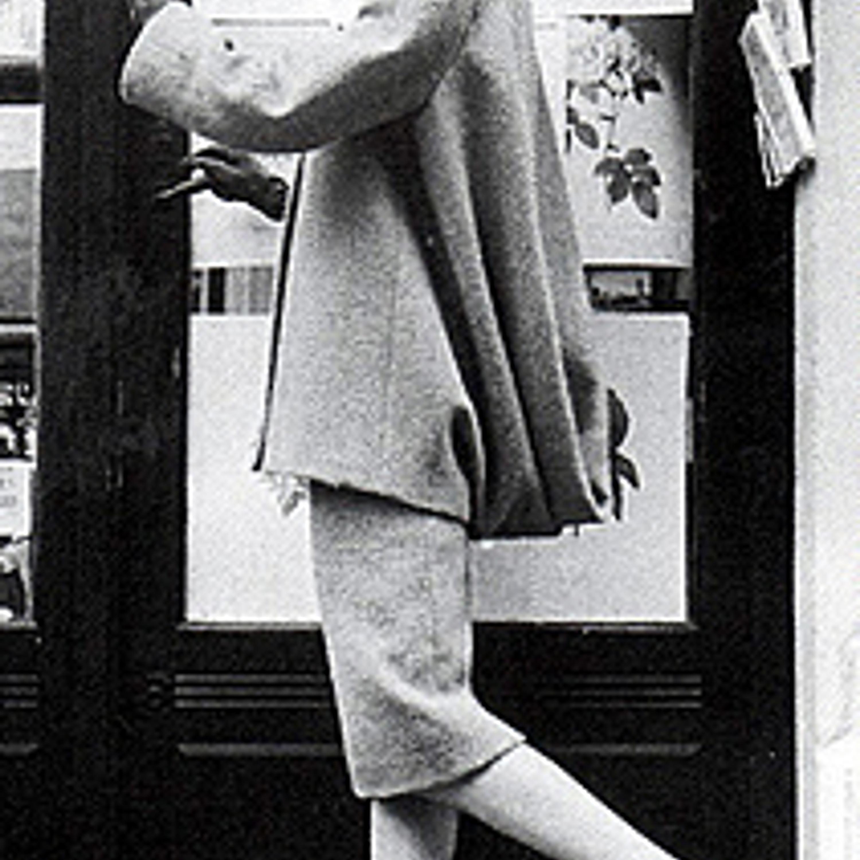 Фото 3. Первая женская коллекция. Твидовый костюм. 1957 г.