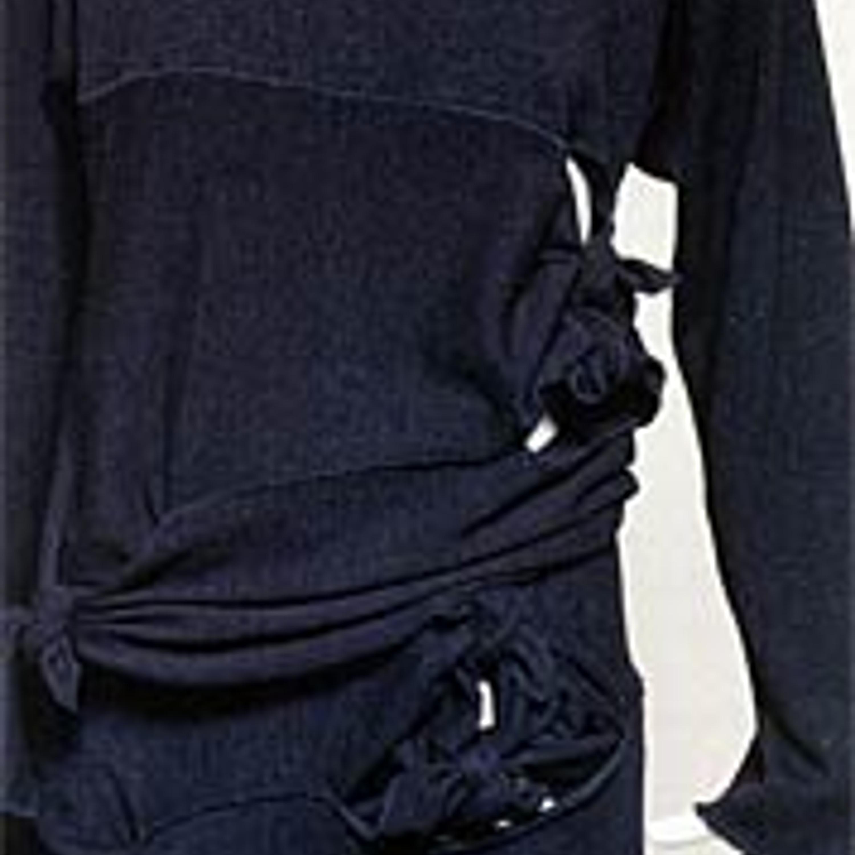 """Фото 7. Comme des Garcons, """"резанные и связанные"""" одеяния из черного футерованного джерси, 1984-85 гг."""