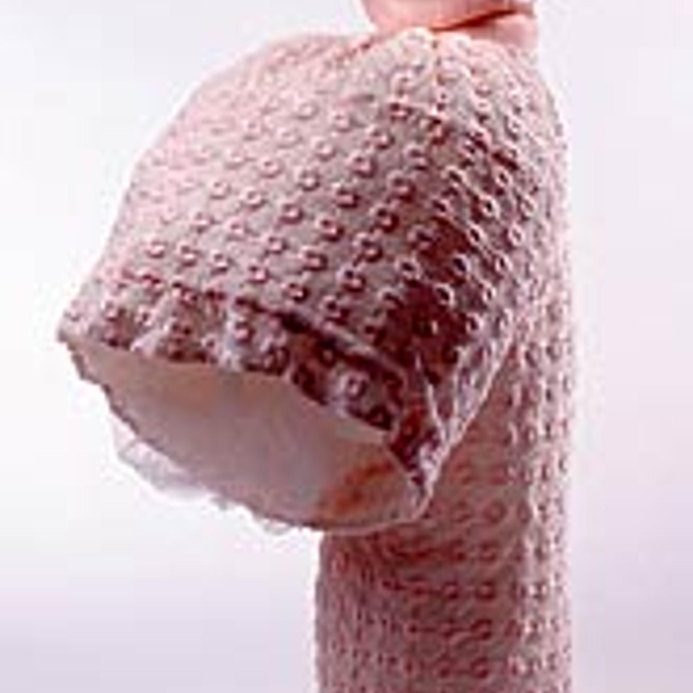 Фото 10. Ансамбль из джемпера и юбки. Джемпер из нежно-розового акрила, юбка из шитья с турнюром, нижняя юбка из тюля. 1995 г.