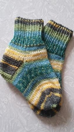 Фото. Детские носочки из остатков пряжи. Автор работы - Chasik