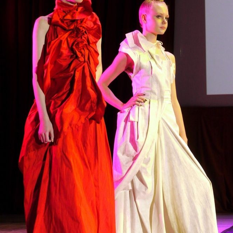 Платья из прямоугольных кусков ткани от Томоко Тагава.