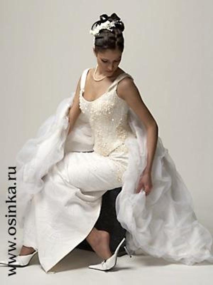 Современное свадебное платье из коллекции Malinelli - 2005