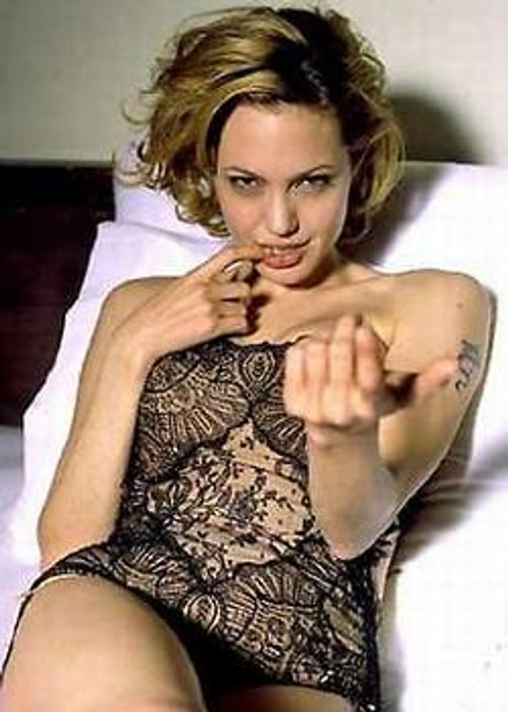 """Фото. Актриса Анджелина Джоли - эталон имиджа """"роковая женщина""""."""