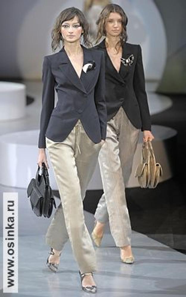 Фото. Giorgio Armani - это воплощение классического стиля на подиуме! Модели из коллекции весна-лето 2009.