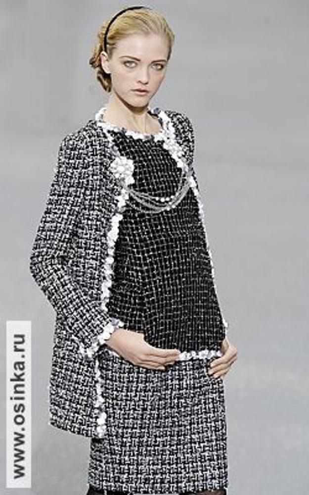 """Фото. Стиль """"Шанель"""" от Карла Лагерфельда. Модель из коллекции весна-лето 2009."""