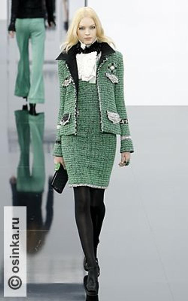 Фото. Модель из коллекции Chanel, осень-зима 2009/10.