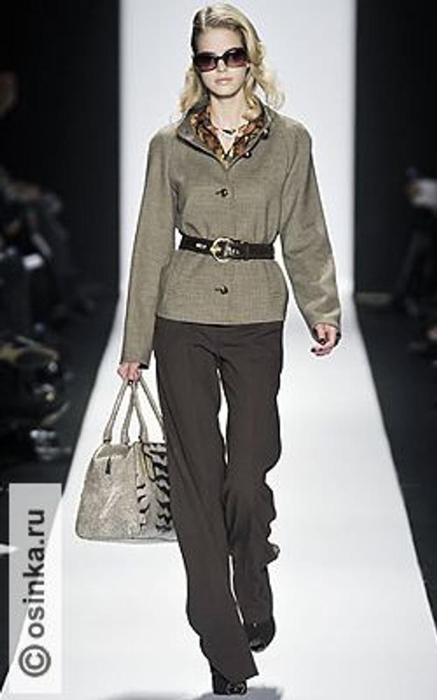 Фото. Модель из коллекции Badgley Mischka, осень-зима 2008/09.