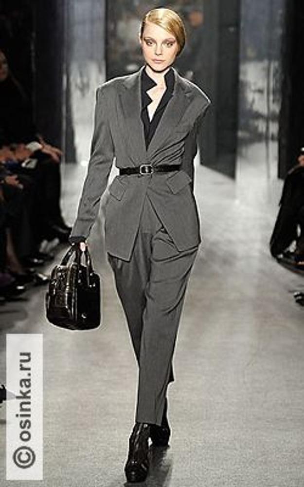 Фото. Вариант делового стиля от Donna Karan, коллекция осень-зима 2009/10.
