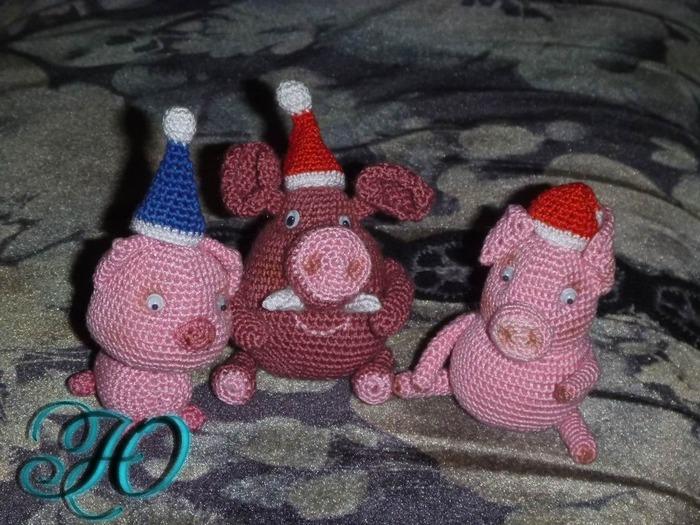 Фото. Предновогодняя хрюномания - игрушки в подарок.  Автор работы - Corviny