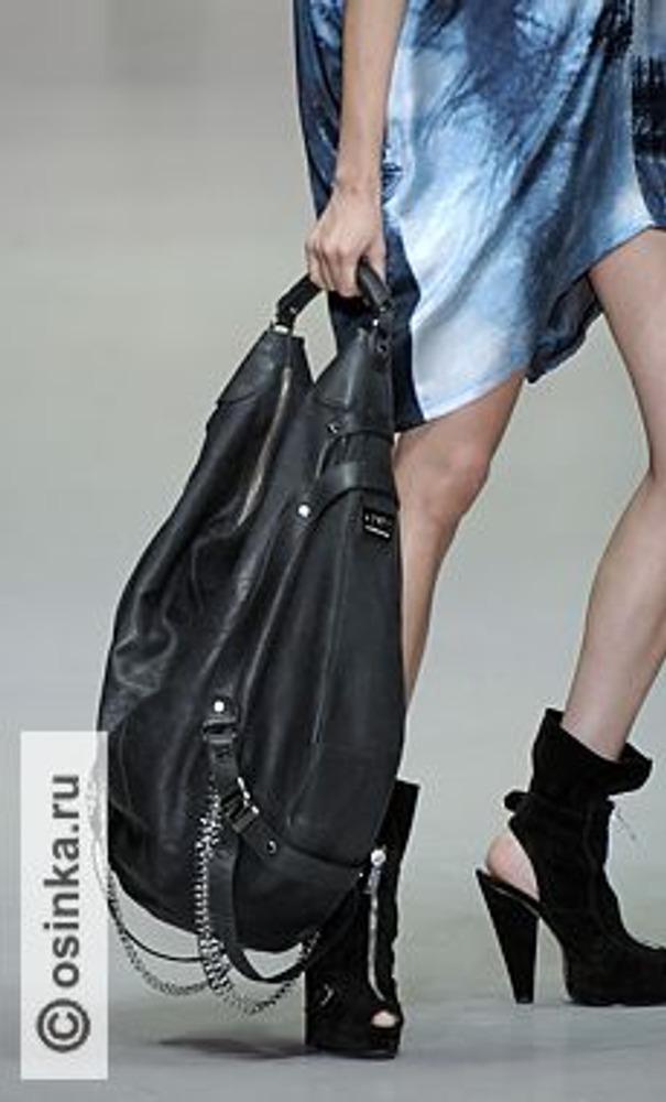 Фото. Модные летние полусапожки с открытой пяткой и носком от CNC, весна-лето 2010.