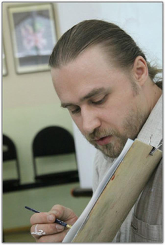Фото: Дмитрий Тарасов проводит мастер-класс по живописи, показывая как кисточка и краска буквально на глазах создают на бумаге новый мир.