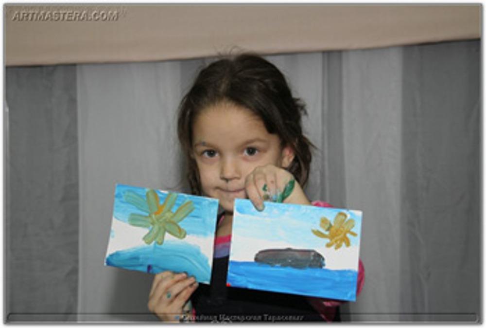 Фото: Творчество - это не работа, поэтому нельзя оценивать умом то, что ребенок вложил в свою картину от души. Тем более, что картина ребенка - это часть его самого!