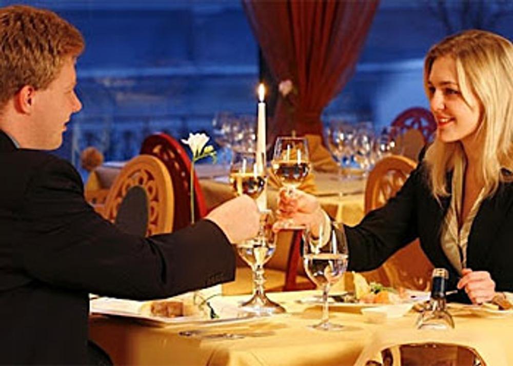 Фото: Романтический вечер в подарок? А почему бы и нет...